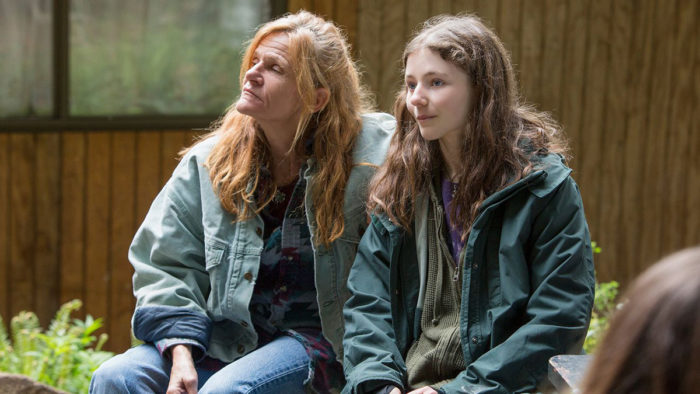 Dale Dickey and Thomasin Harcourt McKenzie in Leave No Trace