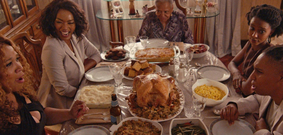 "Master of None - S2E8 - ""Thanksgiving"""